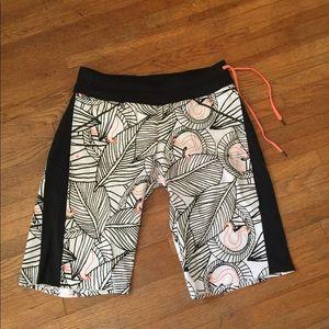Lululemon Women's Board Shorts 8